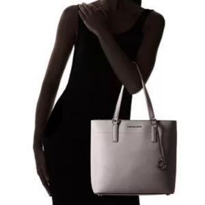 a20883a9c951 KORS Michael Kors Bags - Michael kors Morgan large leather Tote Pearl Grey